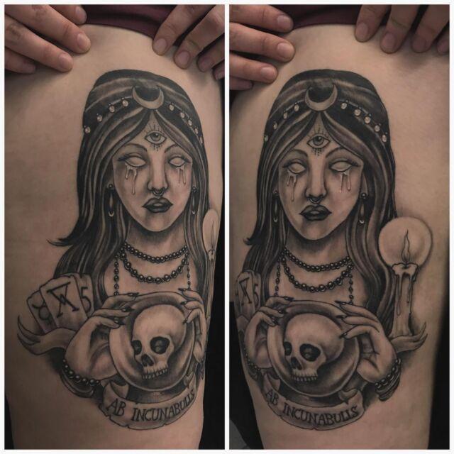 Parantunut!  #healed #blackandgrey #fortuneteller #ink #healedtattoo #occultism #alchemy #skulltattoo #inked #tattoo #tatuointi