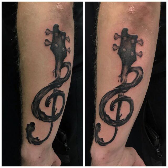 Musiikkihommia viime viikolta. #blackandgreytattoo #watercolor #music #clef #ink #watercolortattoo #inked #tattoo #tatuointi #hyvinkää #tattooparlour #artcollective