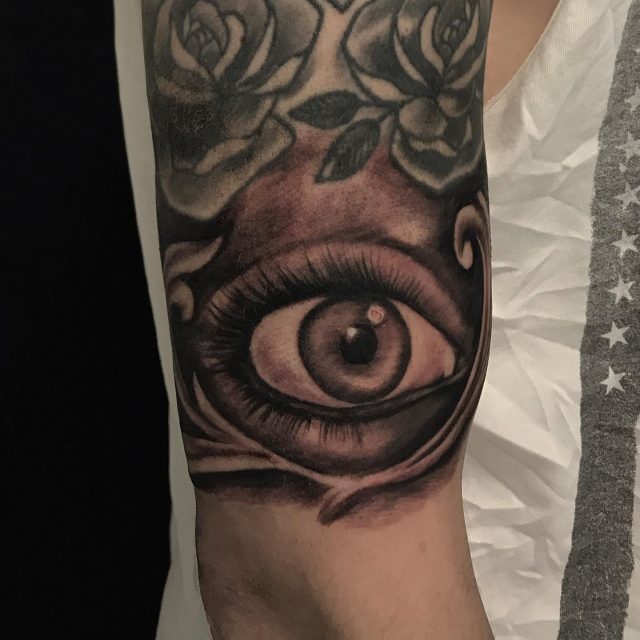 👀  #blackandgrey #eye #ornaments #ink #filler #eyetattoo #inked #tattoo #tatuointi #hyvinkää #tattooparlour #artcollective