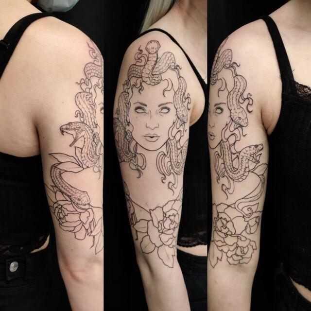Medusan alku  #medusa #tatuointi #artelysior #tattooparlour #artcollective #hyvinkää #tattoo #lineart