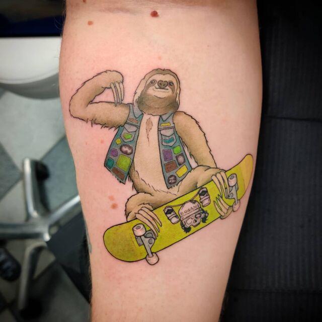 Skeittaava #laiskiainen & @boganspunk  #tatuointi #tattooparlour #artcollective #hyvinkää