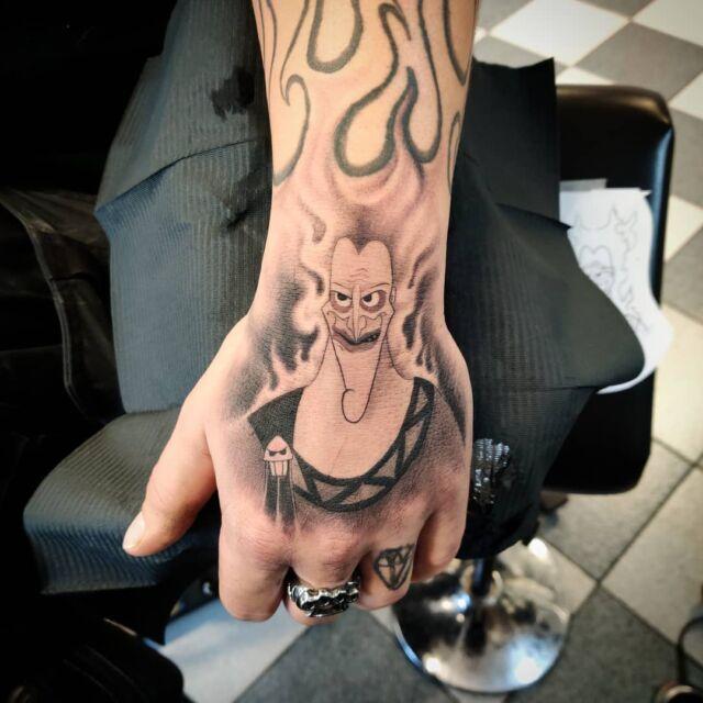 #disney #hades #tattoo #artelysior #tattooparlour #artcollective #hyvinkää  #disneytattoo #tpartcollective #tatuointi #disneytatuointi #villain #disneyvillain #disneyvillains #pahis