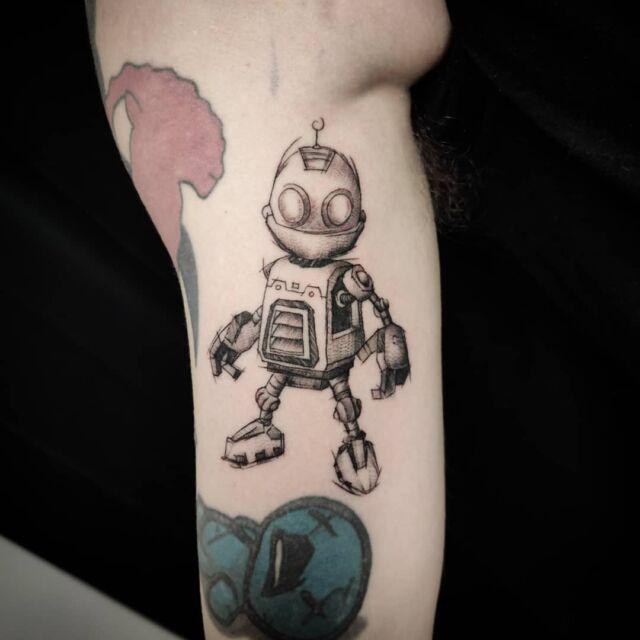 #clank #tatuointi #artelysior #tattooparlour #artcollective #hyvinkää  #game #tattoo #ratchetandclank #gametattoo #gamer #videopelit #pelihahmo #gamecharacter