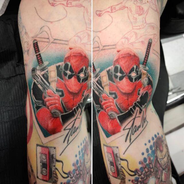 #deadpool jatkopala #tatuointi in #artelysior #tattooparlour #artcollective #hyvinkää #tpartcollective #comictattoo  #marvel #marveltattoo