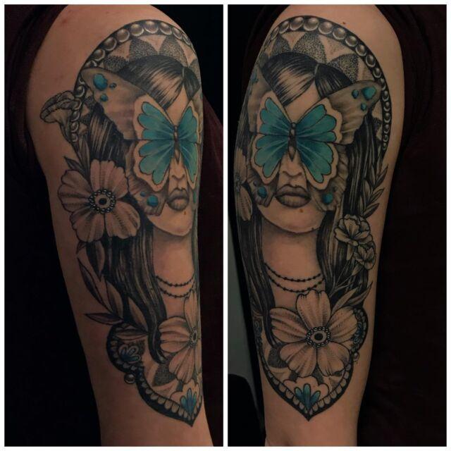 Parantunut!  #healedtattoo #blackandgrey #healed #ink #flowers #mandalatattoo #mehndi #ladyface #butterfly #dotwork #inked #girlytattoo #tattoo #tatuointi #hyvinkää