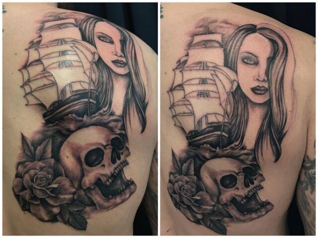 Aloiteltiin eilen selkäprojektia, parin viikon päästä jatkellaan!  #inprogress #blackandgrey #backpiece #sailing #skulltattoo #roses #inked #ladyface #ink #tattoo #tatuointi #hyvinkää #tattooparlour #artcollective